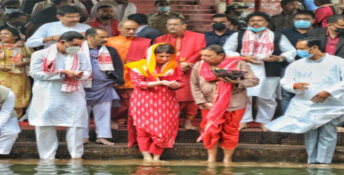 Priyanka Gandhi Vadra offers prayers at Kamakhya temple