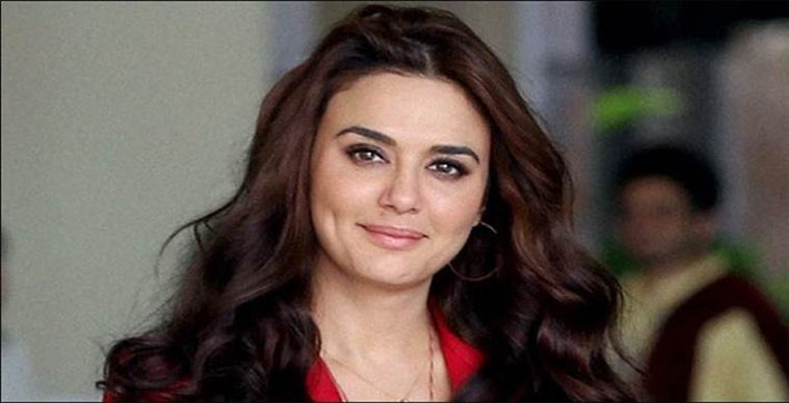 Preity Zinta shares her experience of seeing plane landing on the road