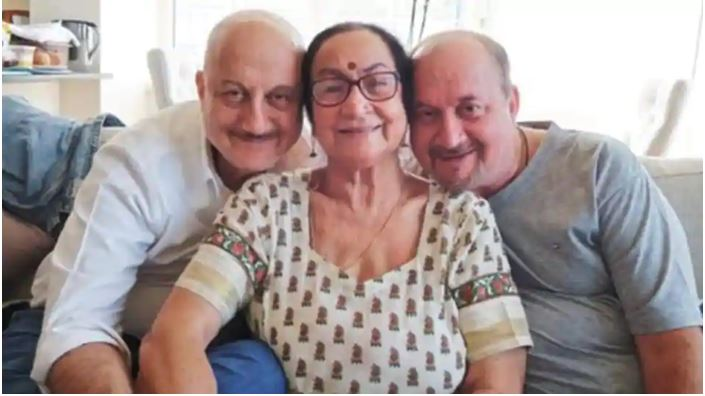 actor anupam kher's family members including mother and brother test positive for covid-19