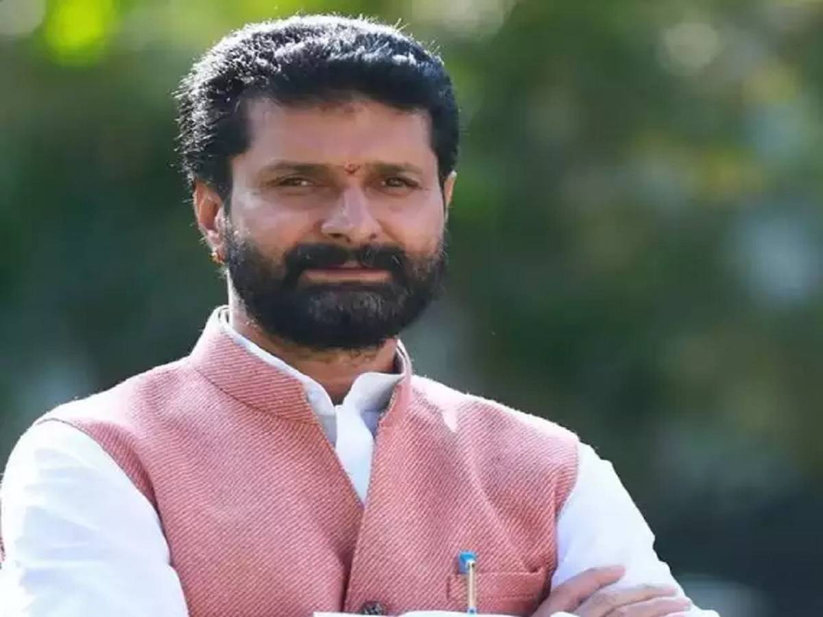 karnataka tourism minister ct ravi test positive for covid-19