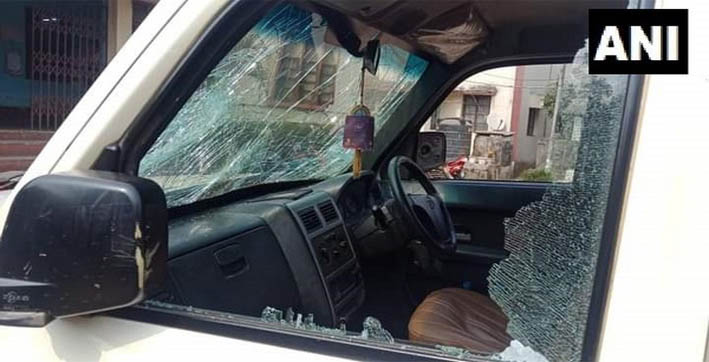cong accuses bjp workers of attacking tripura party presidents vehicle