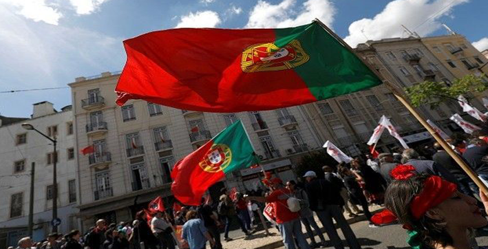 record number of portuguese takes part in early voting for presidential election
