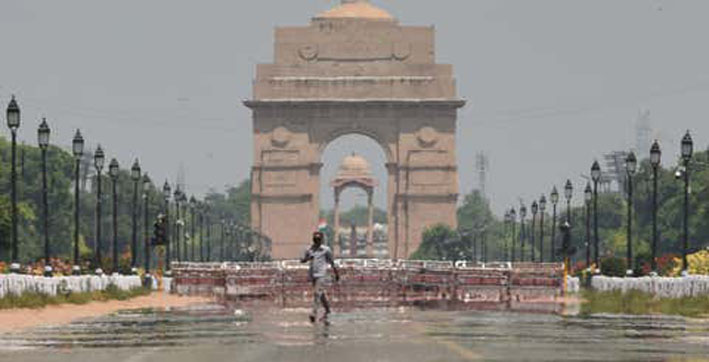 Total curfew in Delhi from tonight till April 26