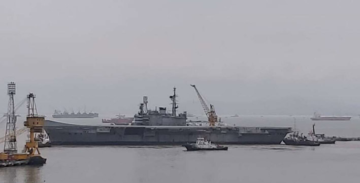 ins viraat moves out of naval dockyard for ship-breaking yard