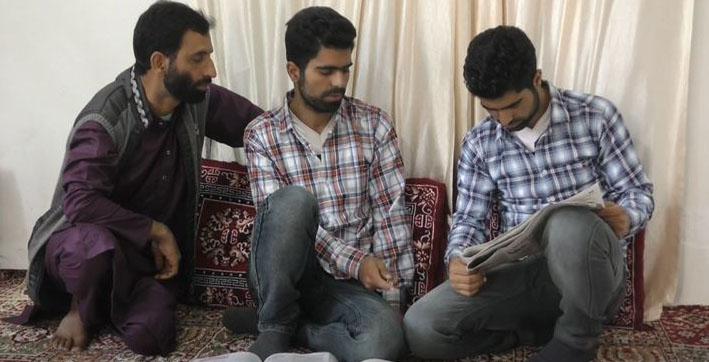twin sons of kashmiri shopkeeper shine in neet 2020