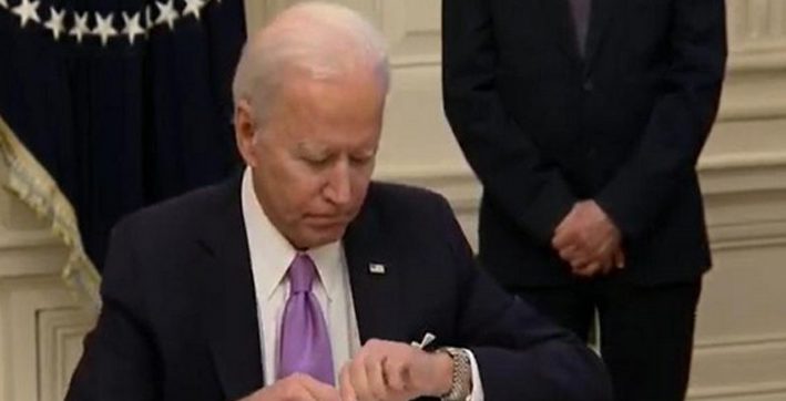 passengers flying to us will need to quarantine on arrival says biden