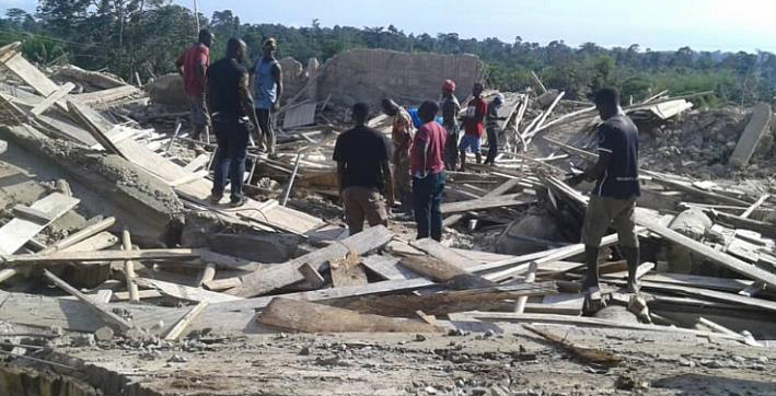 22 killed in church collapse in ghana