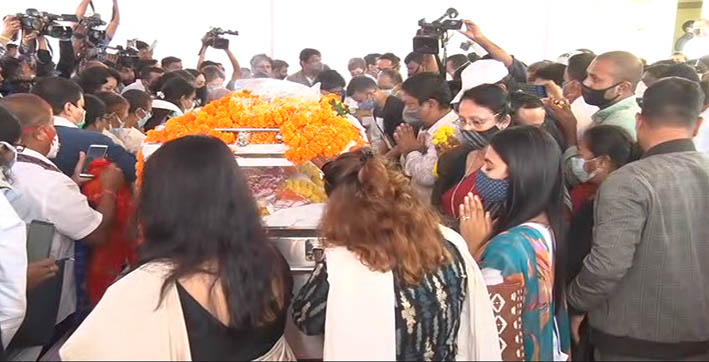 leaders citizens pay last respects to former chief minister tarun gogoi