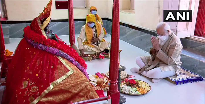pm-modi-offers-prayers-at-jeshoreshwari-kali-temple-in-bangladesh