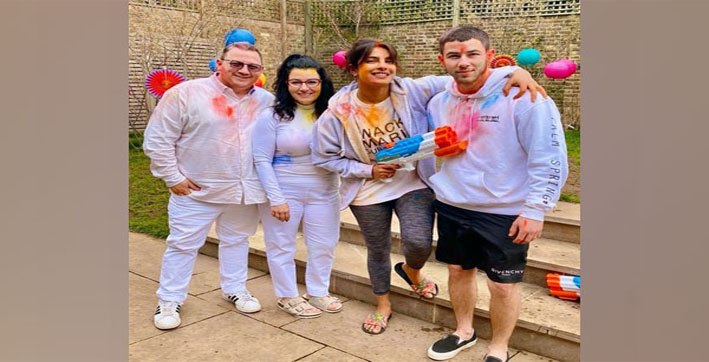 priyanka-chopra-celebrates-holi-with-nick-jonas-and-his-parents