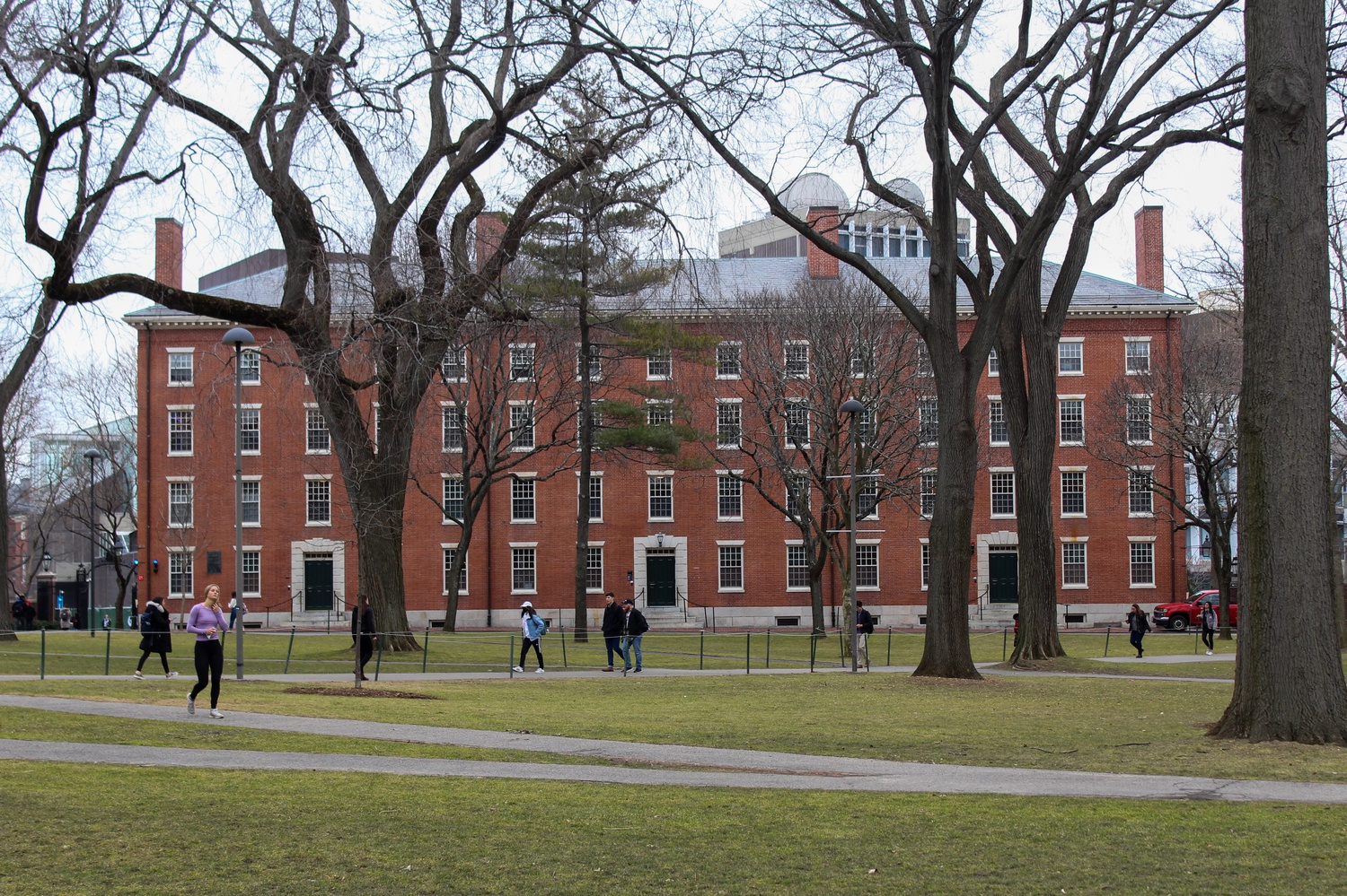 harvard university mit sue donald trump over student visa issue