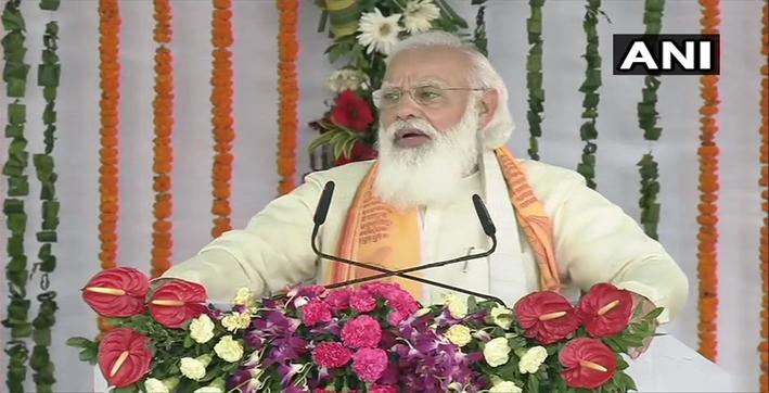 pm-modi-reaches-varanasi-inaugurates-multiple-projects