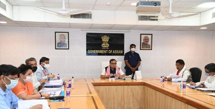 cm-himanta-biswa-sarma-holds-meeting-with-board-of-directors-of-guwahati-smart-c