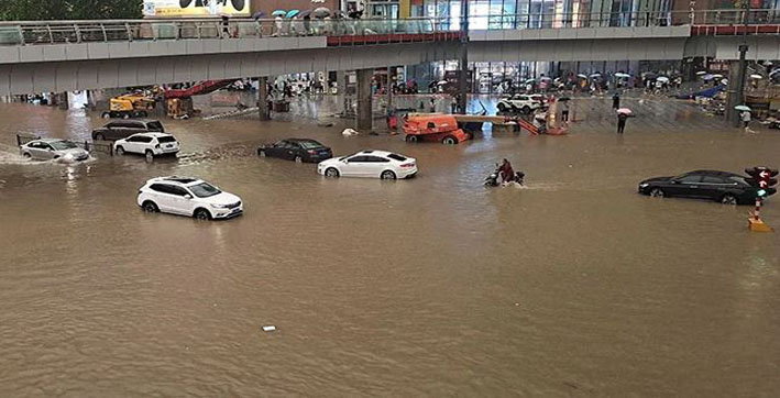 flood-fury-in-china-12-dead-lakh-relocated-world's-largest-iphone-factory-und