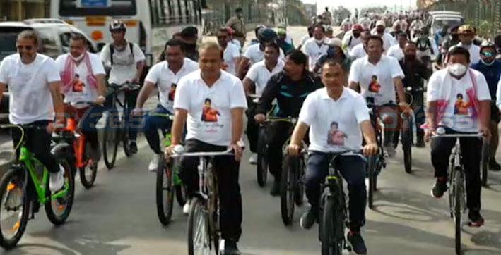 go-for-glory-cm-himanta-biswa-sarma-flagged-off-bicycle-rally-to-cheer-for-pugi