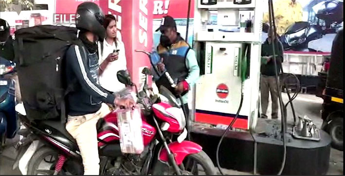 -petrol-price-rise-be-prepared-to-pay-rs-100-a-litre-for-petrol-in-guwahati