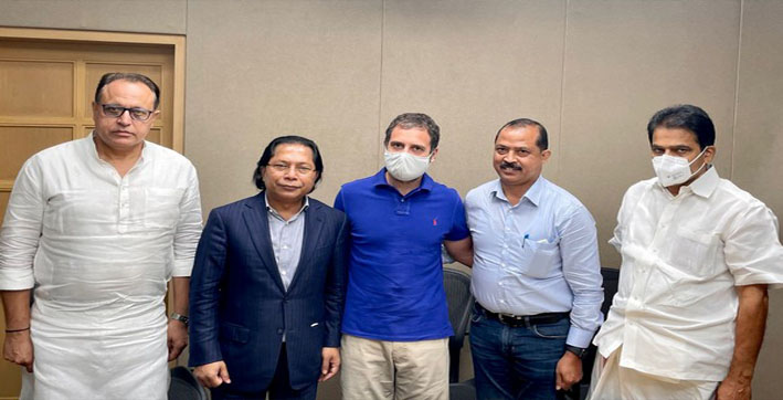 rahul-gandhi-meets-mukul-sangma-other-leaders-ahead-of-meghalaya-by-polls